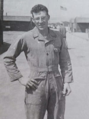 Floyd Dawson was crew chief for Capt. Joseph McConnell, the top American flying ace during the Korean War.