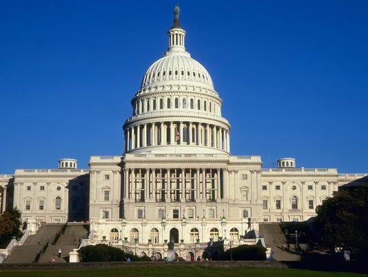635489785017500024-US-capitol-building