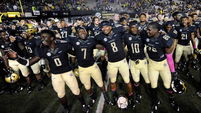 Vanderbilt players celebrate their 10-3 victory against Missouri on  Oct. 24, 2015.