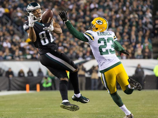 Philadelphia Eagles wide receiver Jordan Matthews (81) makes a reception past Green Bay Packers cornerback Damarious Randall (23) during the second quarter at Lincoln Financial Field.