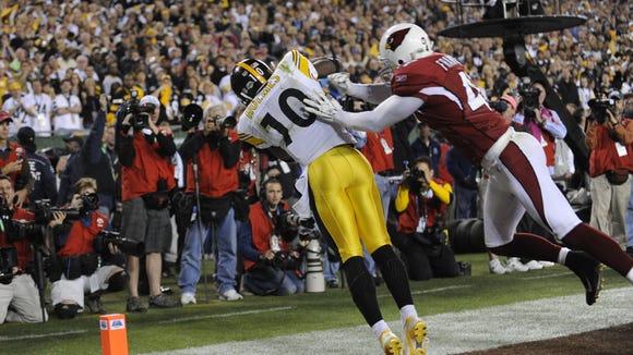 Pittsburgh Steelers wide receiver Santonio Holmes (10)