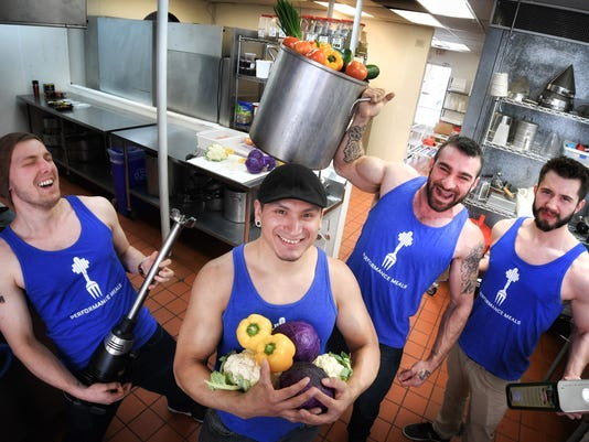 Muscles and manicotti: Twin Cities bodybuilder chef cooks up Perofrmance Meals