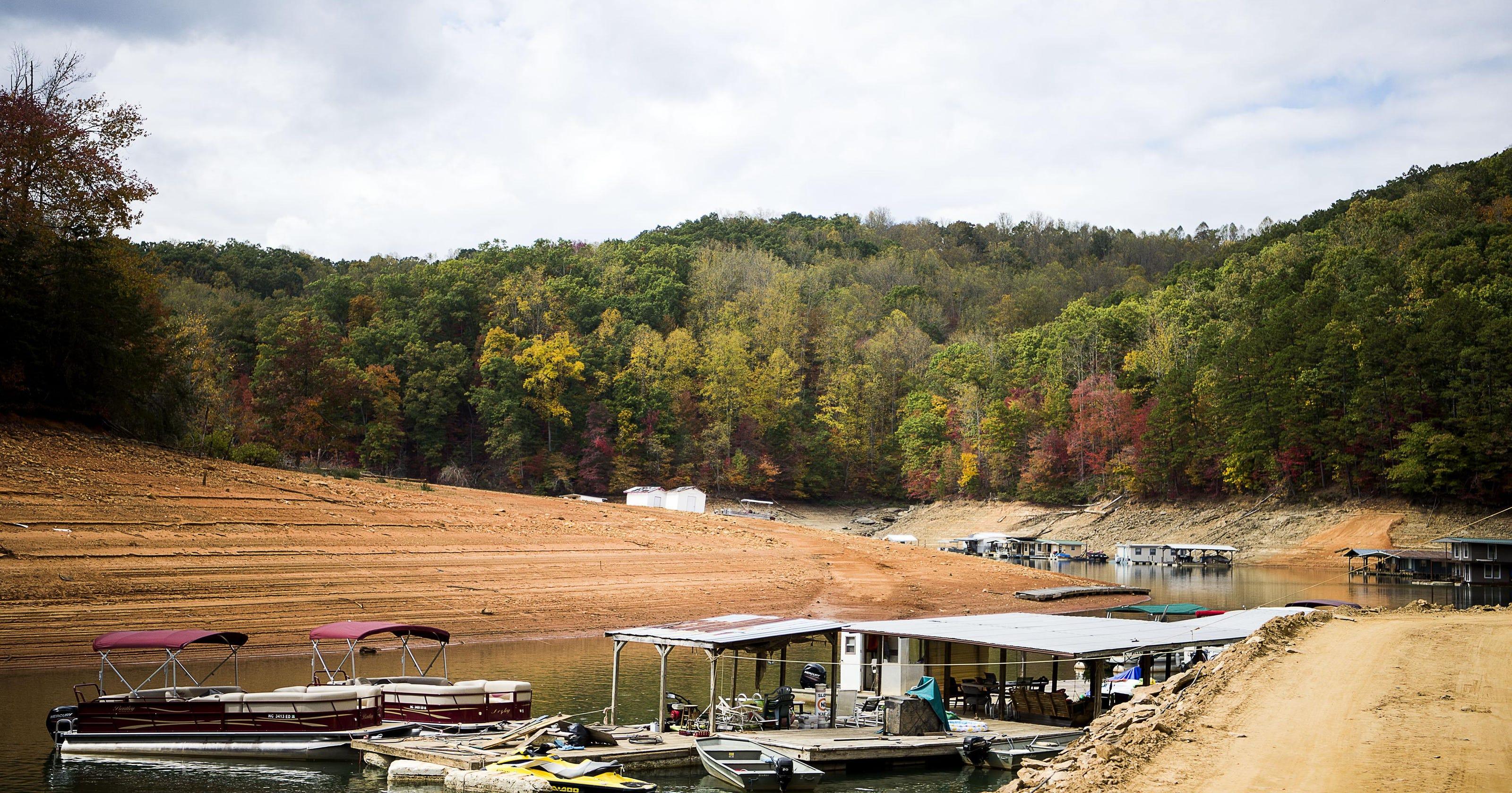 Photo essay: Drought at Fontana Lake in fall