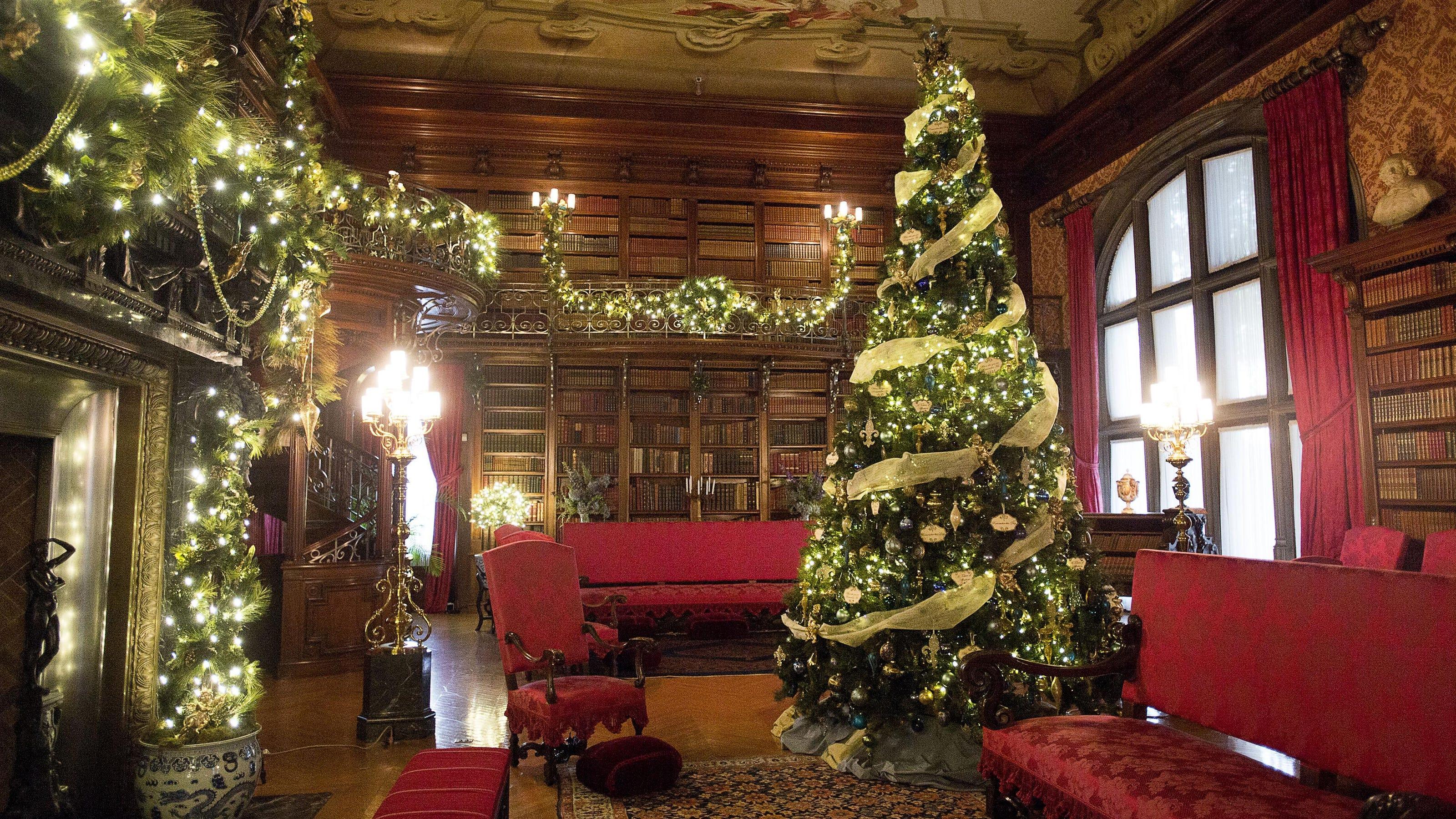 Biltmore Christmas Numbers 113 Trees 10 227 Feet Of