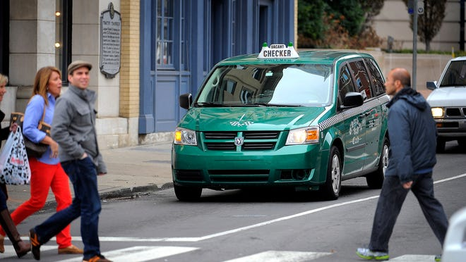 Cab drivers based in Nashville may now pick up and drop off customers in Hendersonville.