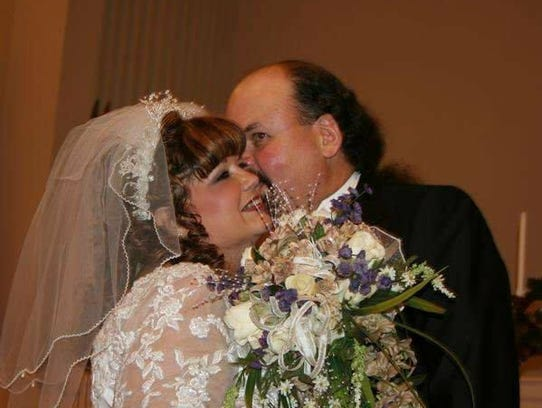 Renea and Mike Rosson got married in November 2006,