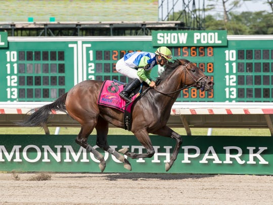 Chalon ridden by Paco Lopez wins The $75,000 Regret