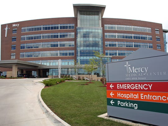 Officials with MercyOne West Des Moines Medical Center have announced that the hospital will restore labor and delivery services.