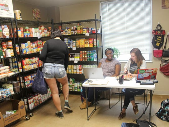 Food Pantry Volunteer Des Moines Iowa