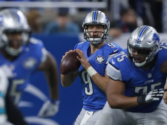 Detroit Lions quarterback Matthew Stafford passes against