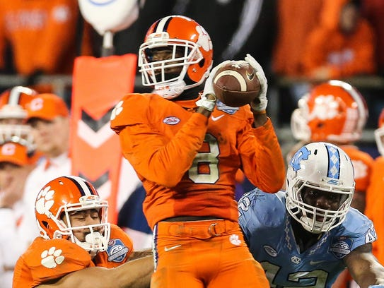 Clemson Tigers wide receiver Deon Cain (8) makes a