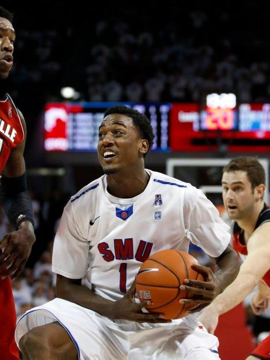 Louisville SMU Basket_Gate.jpg