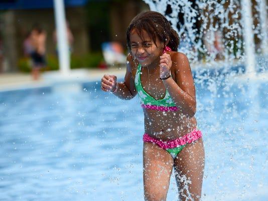 636029669567352664-des.adm0705-summer-pool13.JPG