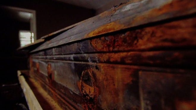 The original casket belonging to Lee Harvey Oswald was auctioned in 2010 for more than $87,000.