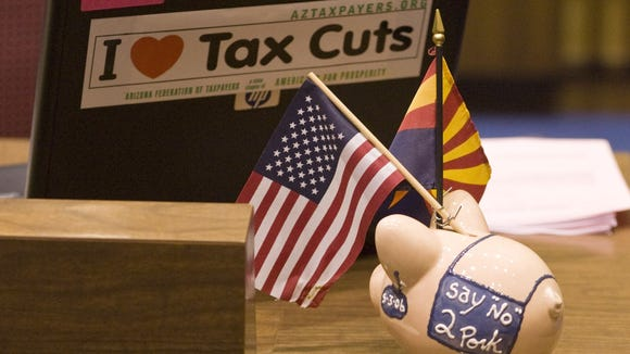 153162 budget-adjourn0627 -- 26 JUNE 2008 -- Senator Ron Gould's desk. The Arizona Legislature concluded the 2nd Regular session of the 48th Legislature in Phoenix Friday.  AZR PHOTO BY JACK KURTZ/DIGITAL FILE NO NEGS
