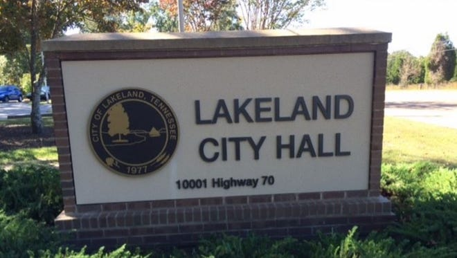 Mike Cunningham unseated incumbent Lakeland Mayor Wyatt Bunker in Tuesday's election.