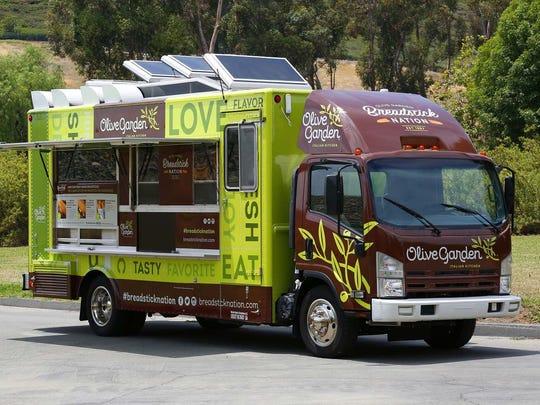 Olive Garden food truck serves free breadstick sandwiches, 6/17-20