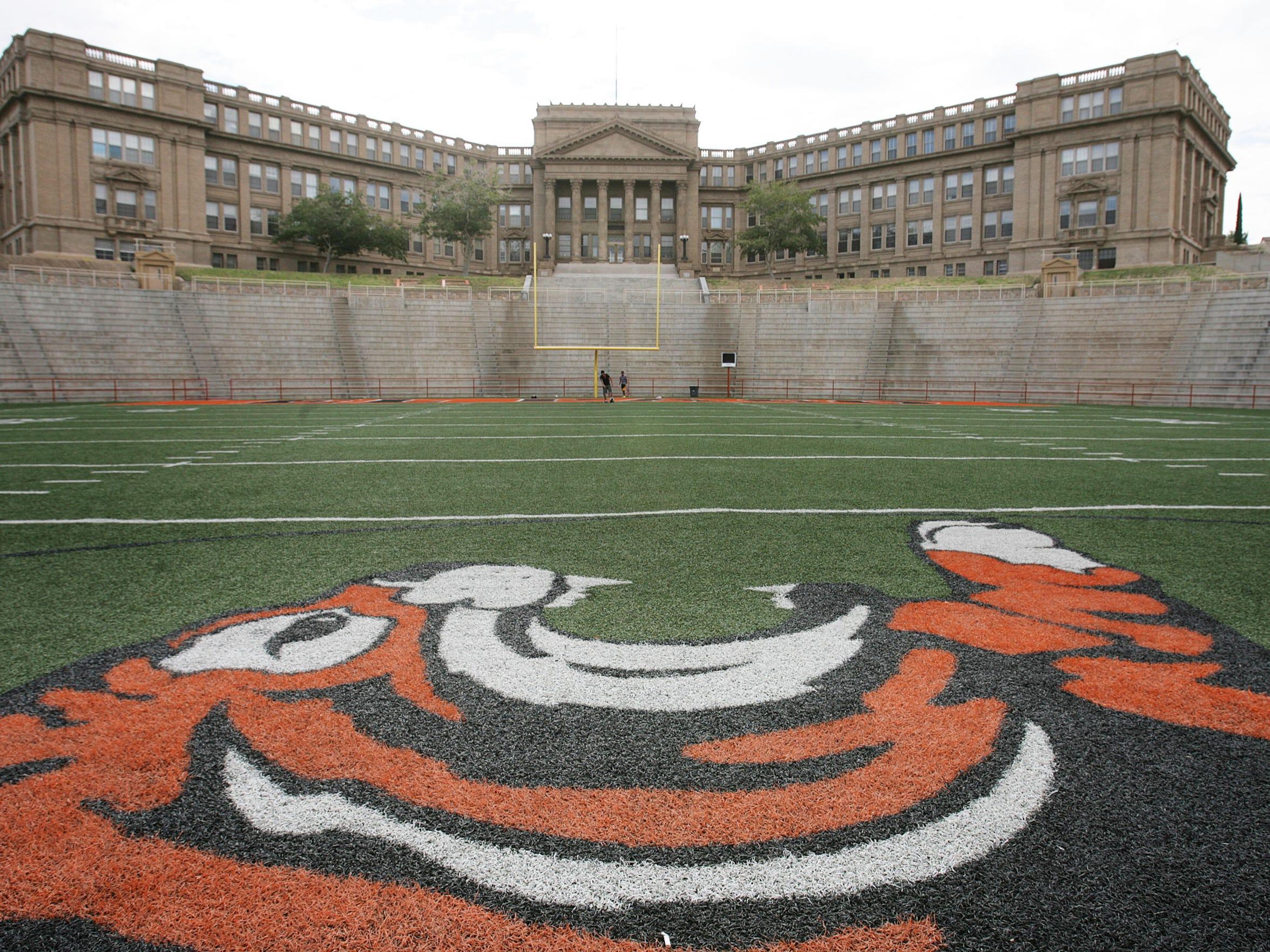 El Paso High School.