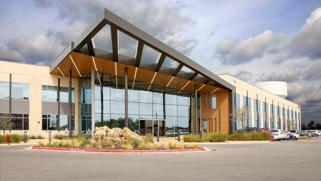 Hubbel Lighting will lease an office in Summit II at La Frontera, 710 Hesters Crossing Road.