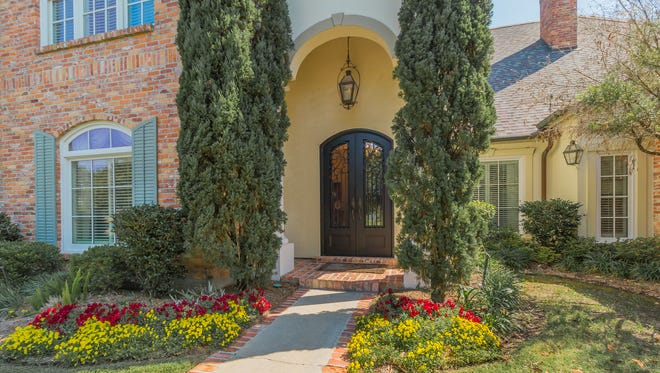 This 4 bedroom, 2½ bathroom home is located at310 Sawgrass Lane inBroussard, Louisiana. It is listed at$879,900.