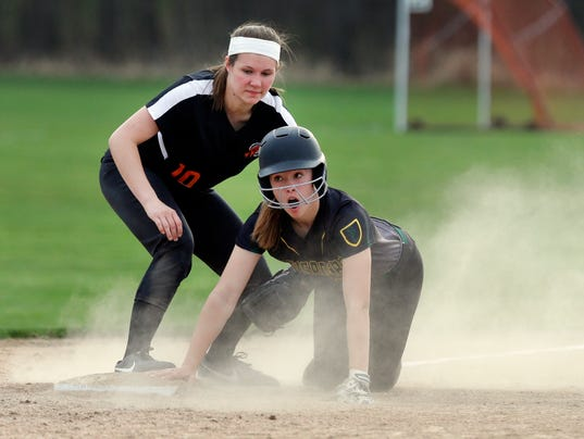 636614167587589402-050818-SHE-Cedar-Grove-at-Sheb-Lutheran-Softball-gck-09.JPG