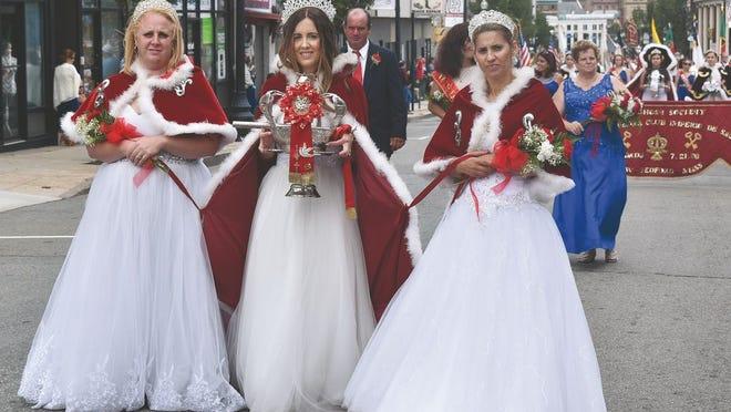 Cortejo da Coroação - Grandes Festas do Divino Espírito Santo de 2019.