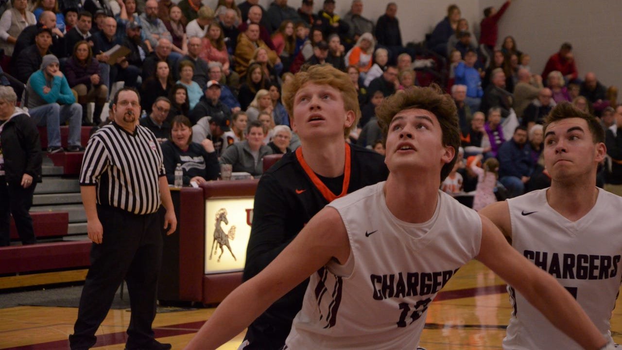 Homer earned a pair of road victories over rival to stay in the hunt for the Big 8 Conference titles.
