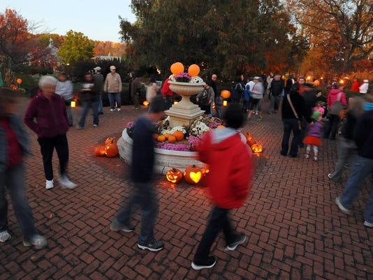 636431512041580224-pumpkin-glow-1.jpg