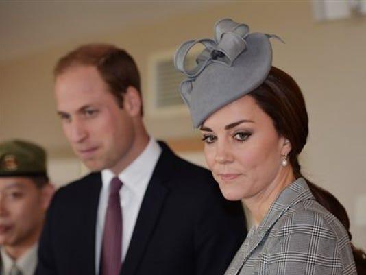 635515630403140009-British-royals
