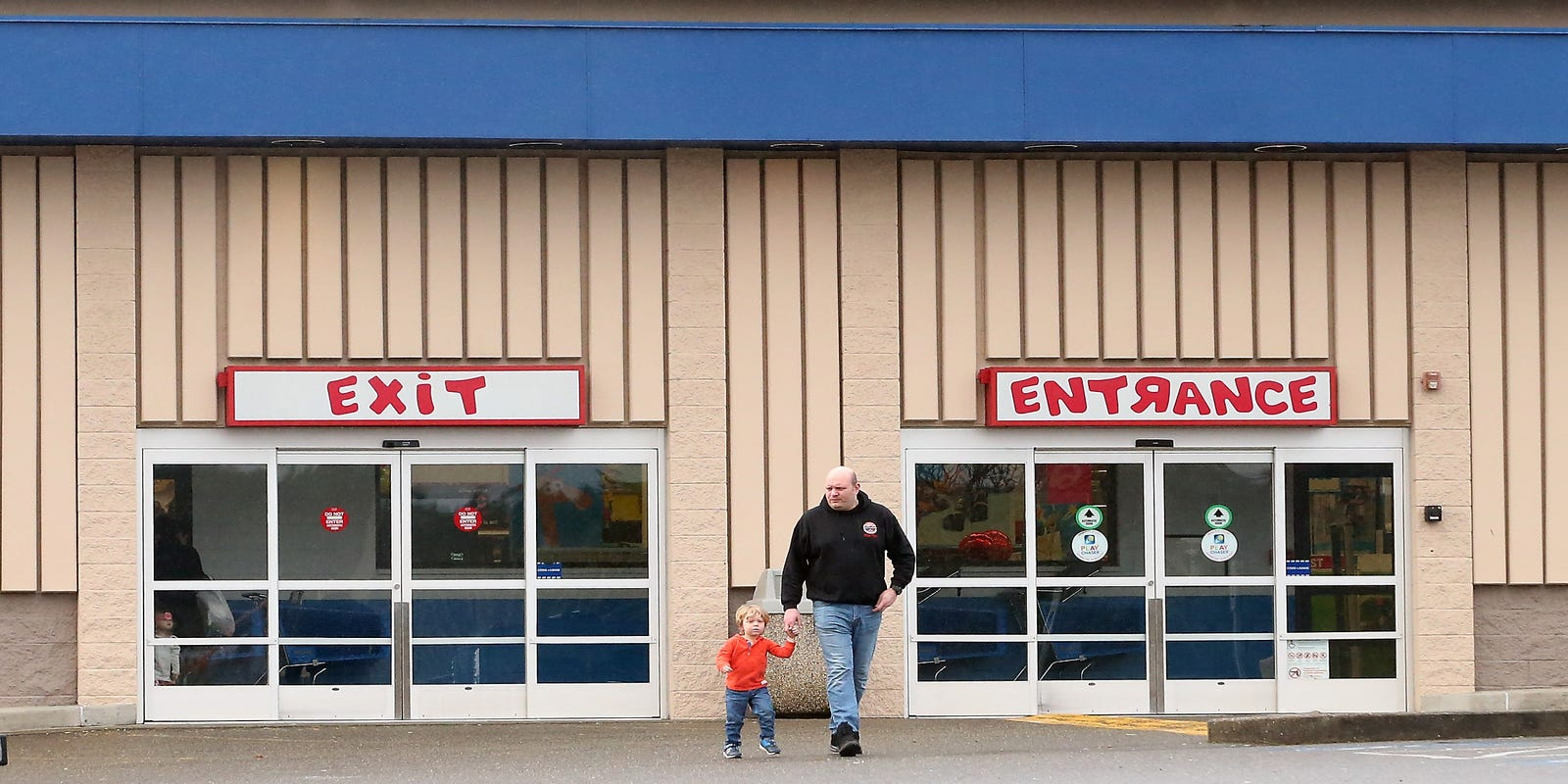 silverdale toys r us location closing