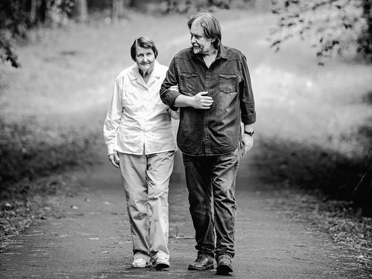 Author Rick Bragg with his mother, Margaret Bragg,