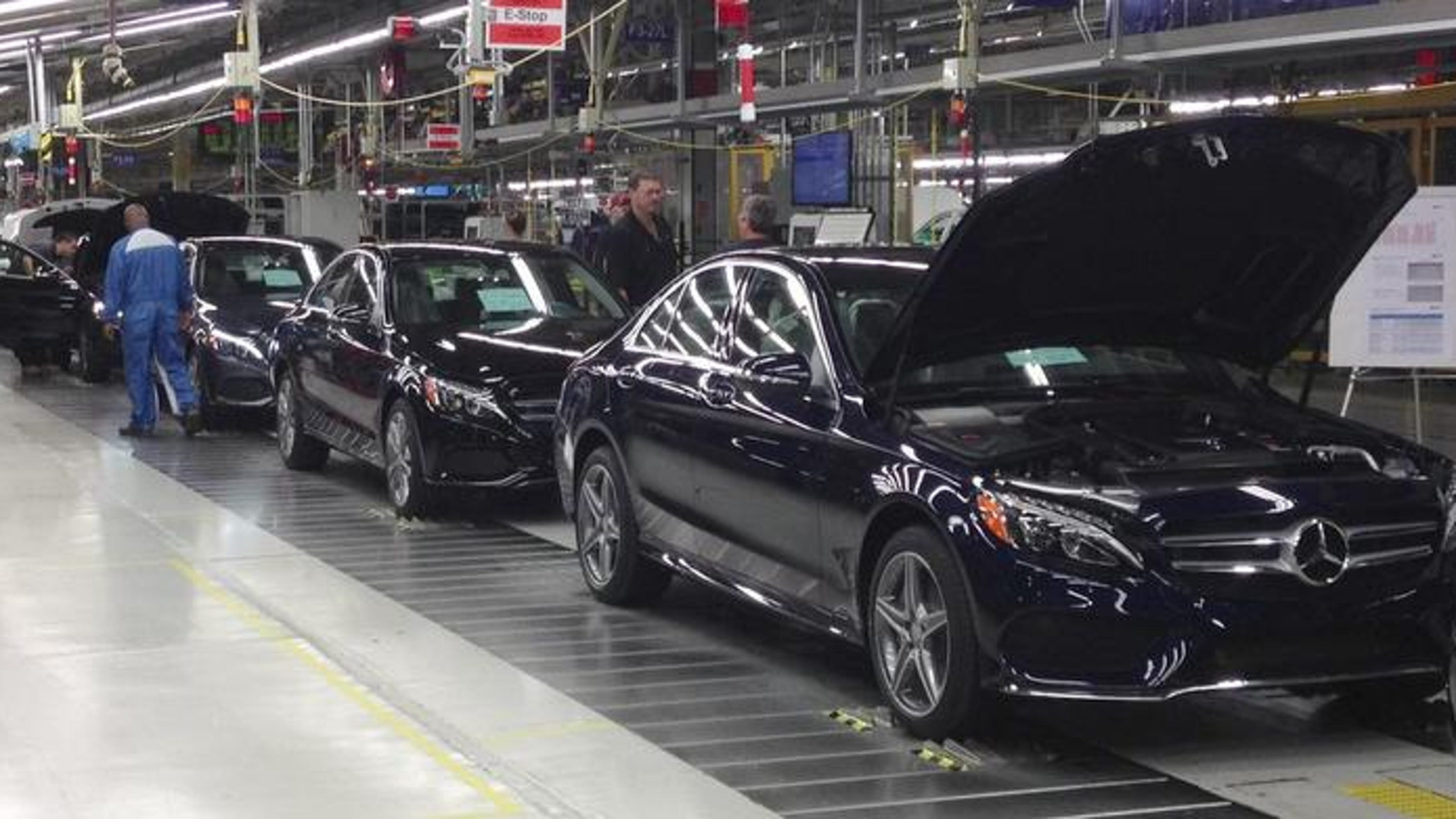 Mercedes benz to expand alabama plant build new suv next year for Mercedes benz huntsville alabama