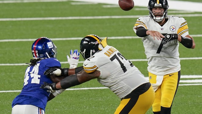 Pittsburgh Steelers quarterback Ben Roethlisberger (7) passes against the New York Giants during the fourth quarter of an NFL football game Monday, Sept. 14, 2020, in East Rutherford, N.J.