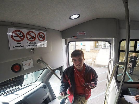 Alex-Boarding-Bus-8