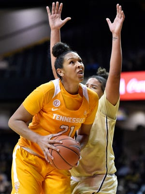 Tennessee Lady Volunteers center Mercedes Russell (21) shoots past Vanderbilt Commodores forward Kayla Overbeck (0) during the third quarter at Memorial Gym in Nashville, Tenn., Thursday, Jan. 5, 2017.