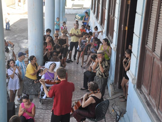 """""""The American Virtuosi"""" performs outside in Cuba."""