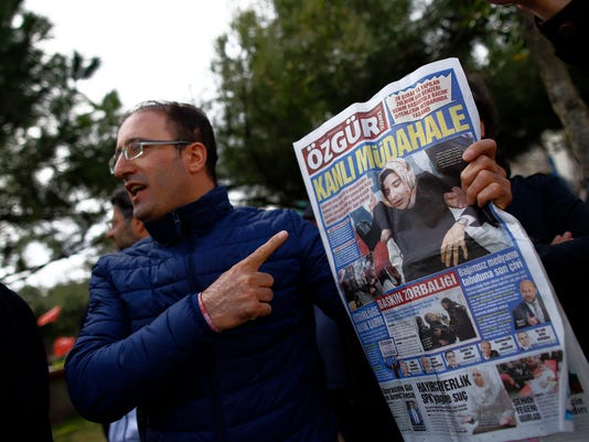 AP TURKEY NEWSPAPER SEIZED I TUR