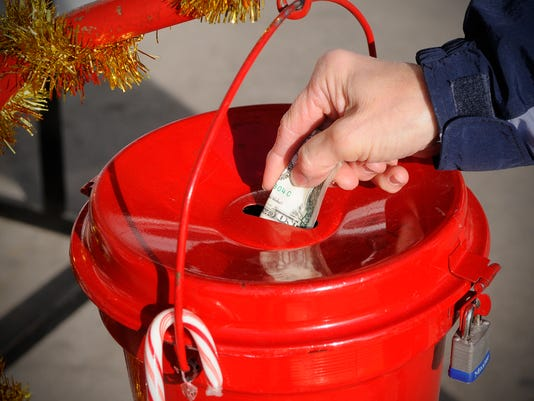 635812031687147712-Salvation-Army-Red-Kettle