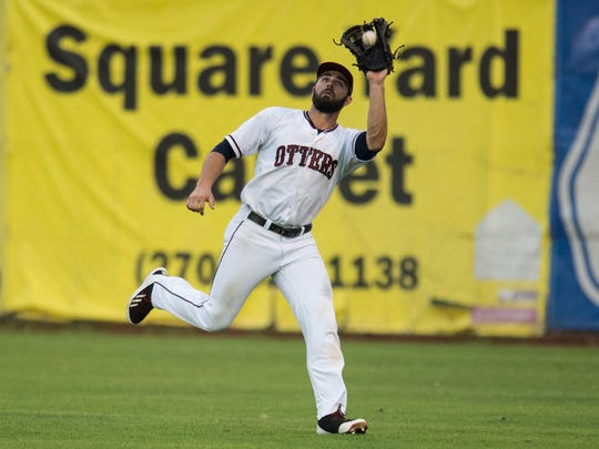 Evansville's Jeff Gardner (5) catches a pop fly in the outfield as the Otters take on the Gateway Grizzlies at Bosse Field on Thursday, June 28, 2018.