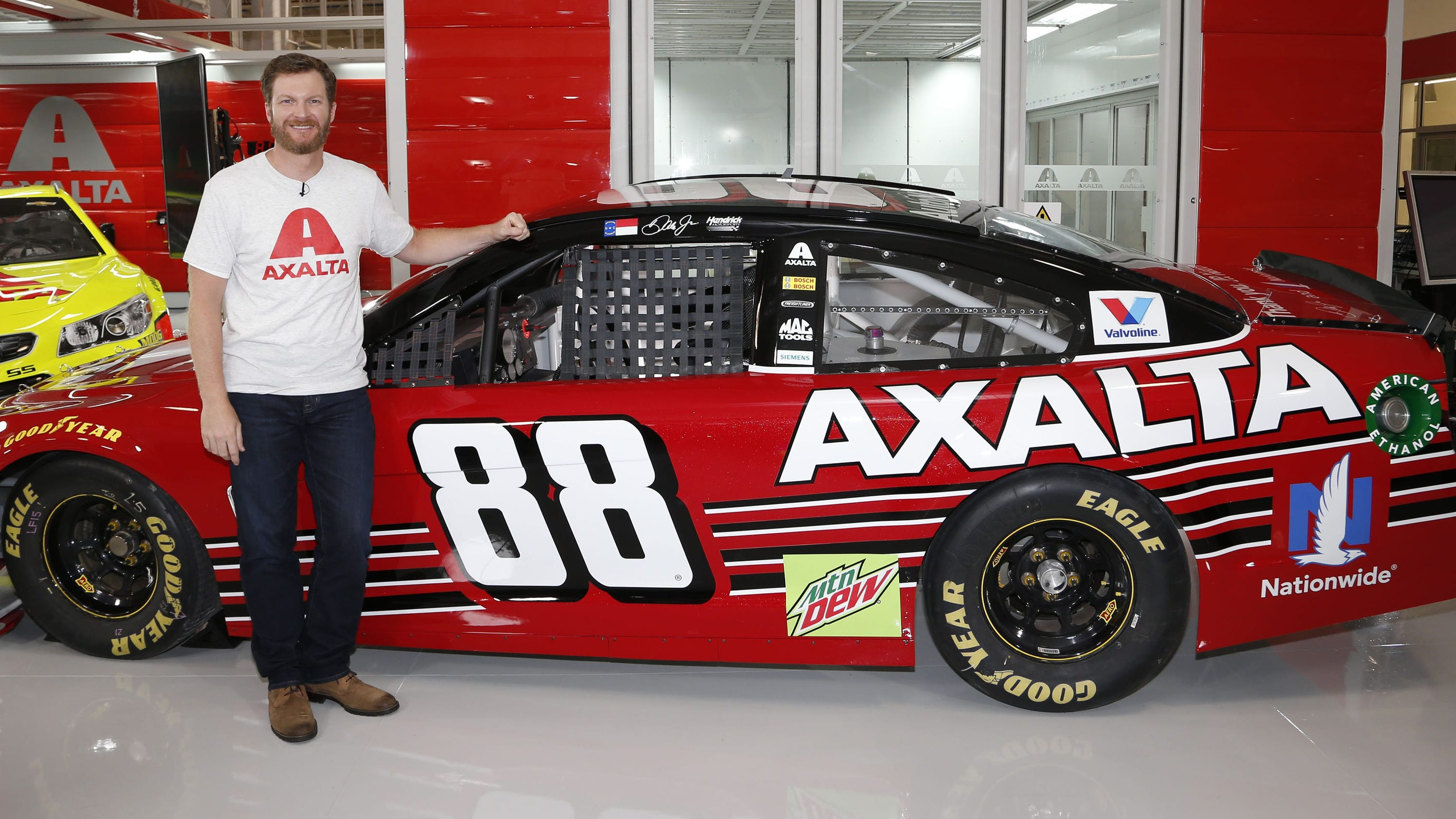 watch dramatic video of dale jr 39 s last car being painted. Black Bedroom Furniture Sets. Home Design Ideas