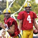 Packers quarterbacks Doug Pederson (left) and Brett Favre in 2004.