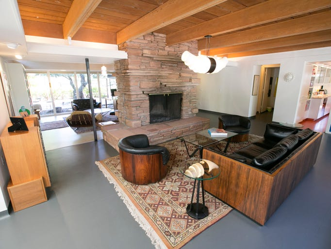 Great room of the midcentury modern home in Phoenix