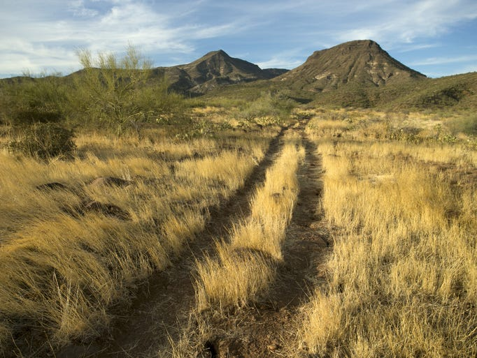 Ford Stevens Creek >> Superstition Mountains hike: Hieroglyphic Trail