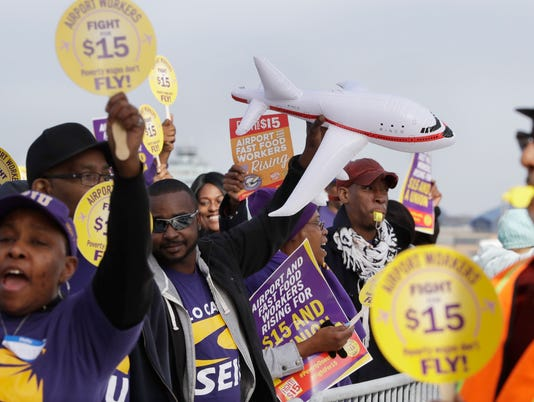636160537346033642-Minimum-Wage-Protest-14.jpg