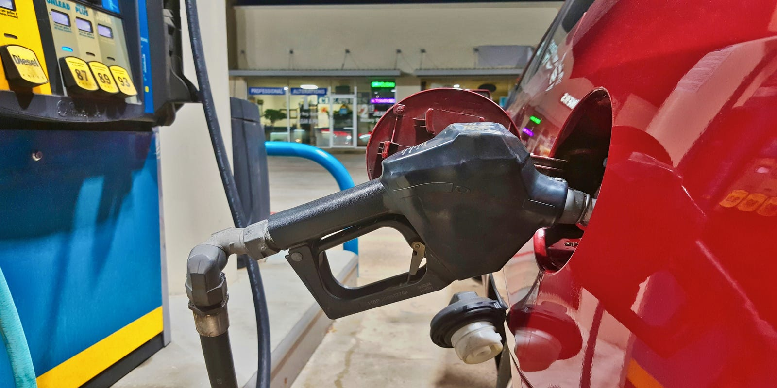 Michigan gas prices rise 17 cents in last week, AAA reports