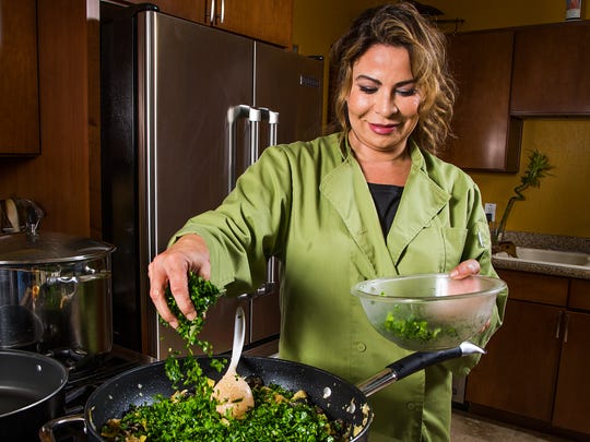Laura Licona makes three dishes for Arizona Republic judges as part of the Top Home Chef competition.