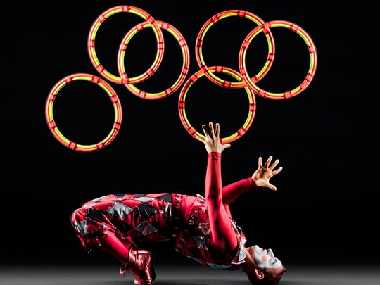 Cirque de la Symphonie returns to Des Moines for the Des Moines Symphony's popular New Year's Eve Pops. The company's first two visits sold out.