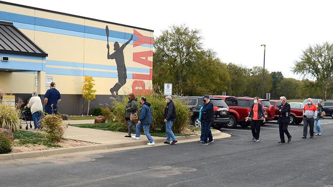 Voters waited in line at Ben Geren to get their vote in on Oct. 19.