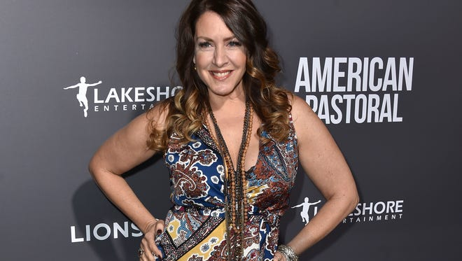 Actress Joely Fisher is writing a memoir about growing up in a famous Hollywood family.
