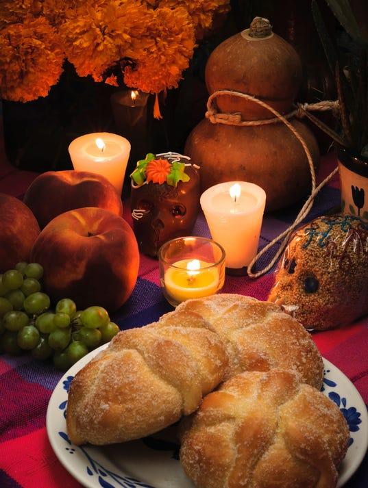 Pan de Muerto (bread of the dead) (Photo: Antonio Gonzalez Cuesta ...